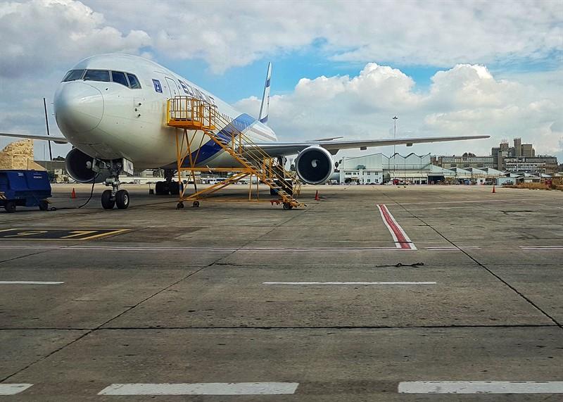 אווירון שדה התעופה בן גוריון טרמינל 1